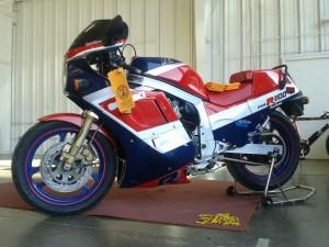 1986_Suzuki_Vintage_Motorcycle_Restoration